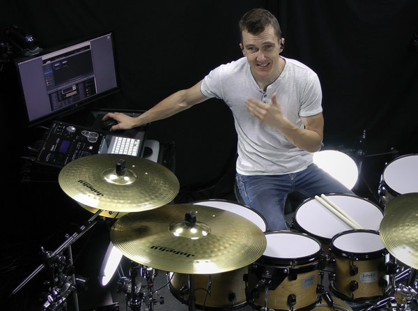 Playing MainStage 3 with eDrums - Groove3 com Video Tutorial